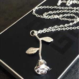 275a61fa2 Jewelry - ✨🎁925 Sterling Silver Rose Necklace🎁✨